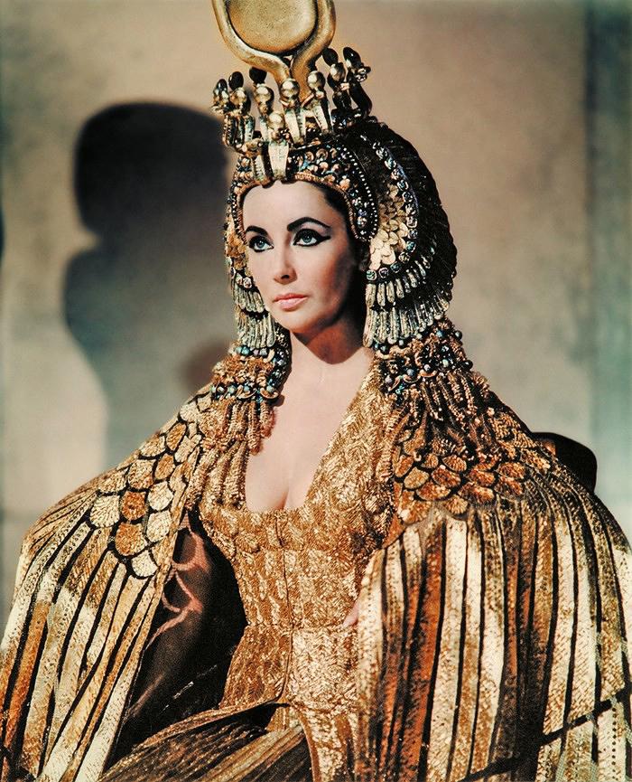 101-costume-wild-Cleopatra-Liz