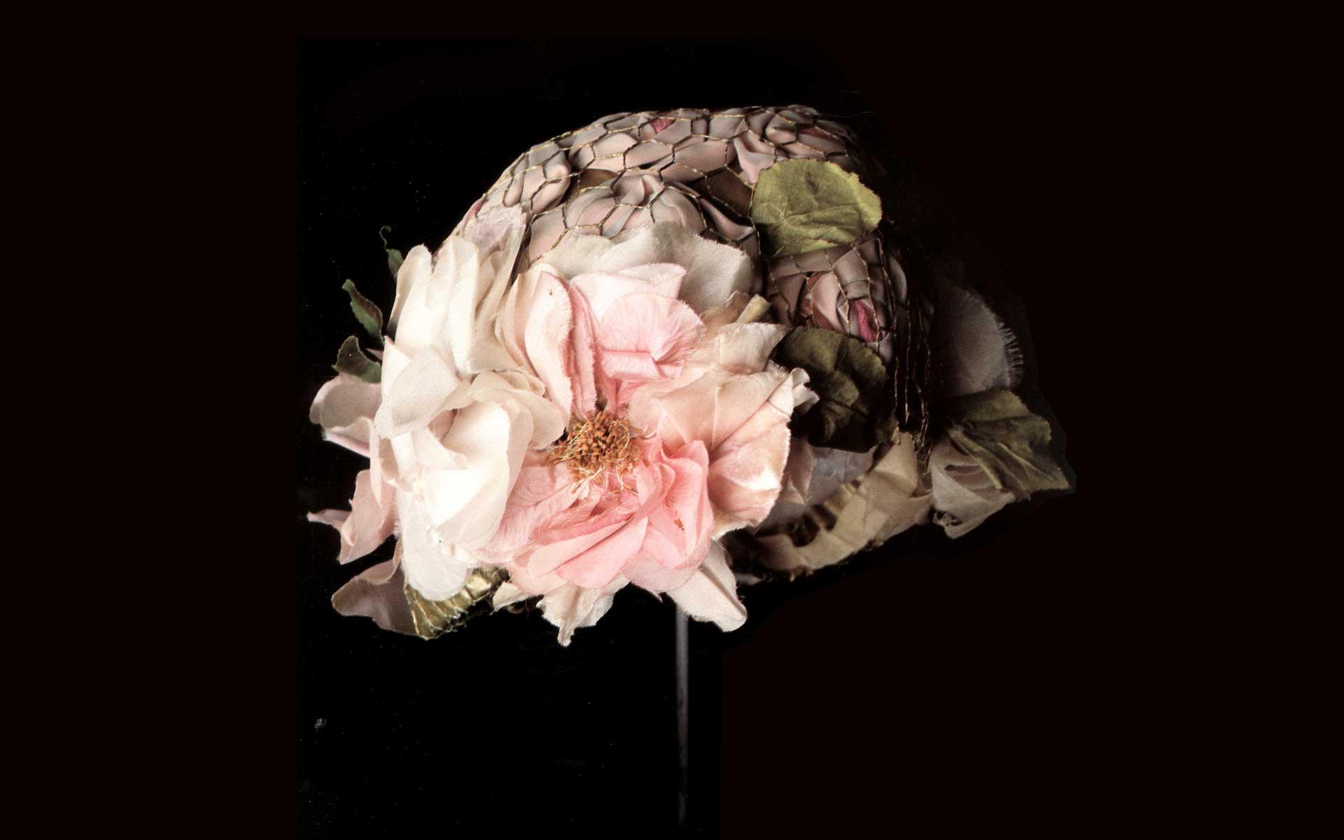 1889-chapeau-archives-fleurs