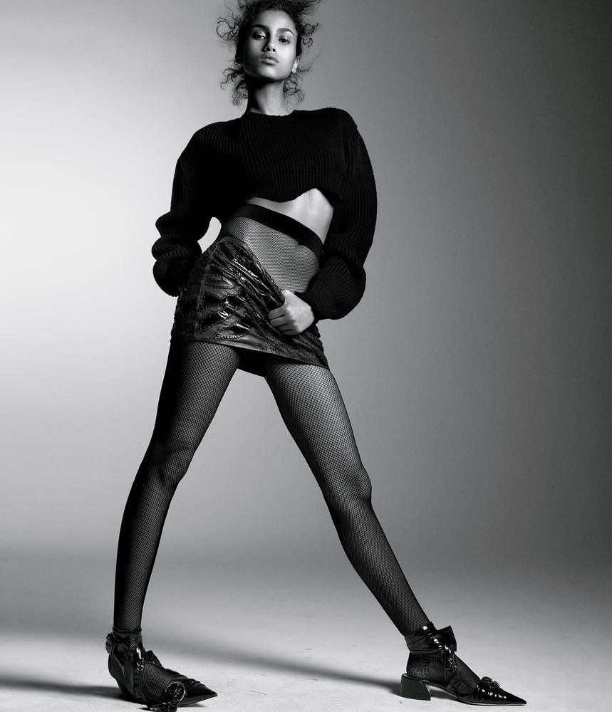 Dior свитер, юбка Versace